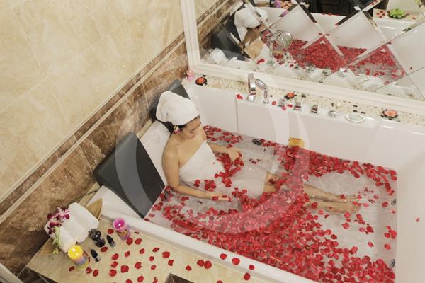 Phòng tắm trắng đẳng cấp quốc tế