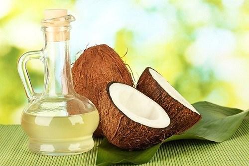 Dùng dầu dừa là cách trị thâm nách cấp tốc hiệu quả và an toàn